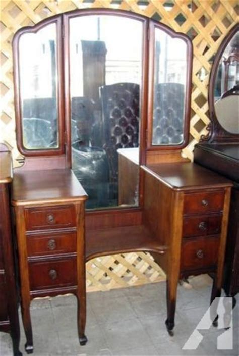 1920 Vanity With Mirror by Antique 1920 1930s Vanity Desk With Trio Folding Mirror