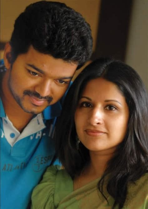 actor vijay and wife photos actor vijay with his wife sangeetha recent photos
