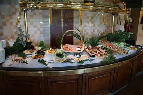 Buffet Picture Of Inventions Disneyland Paris Chessy Buffets Near Disneyland