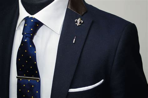 how should you wear a lapel pin and tie bar the uk s