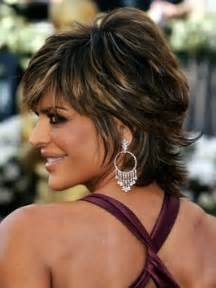 back view of rinna hairstyle lisa rinna short shag hairstyle