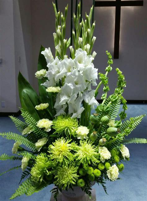 fresh flower arrangement ideas for church wedding tips
