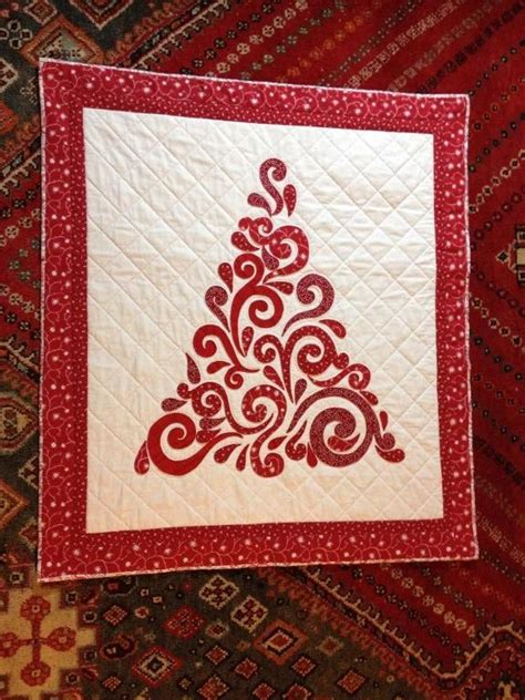 swirled christmas tree quilt pattern you have to see swirl christmas tree wall hanging by