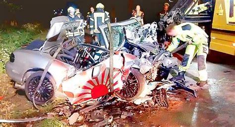 Motorradunfall Cloppenburg by Polizei Schwerer Unfall 22 J 228 Hriger Stirbt Auf Der L 846