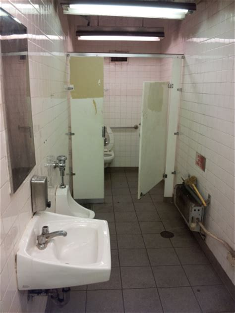 Nyc Subway Bathrooms by Subway Toilets Toilets Of The World