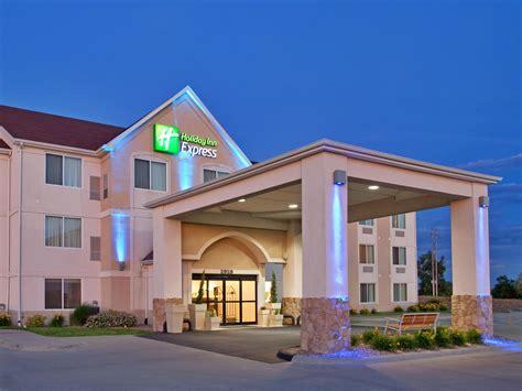 travel inn express inn express suites maryville hotel by ihg