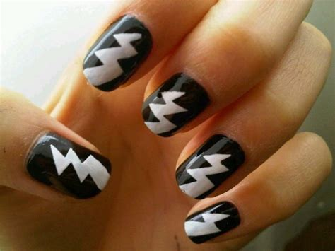 lightning nail art tutorial lightning bolts nail art gallery
