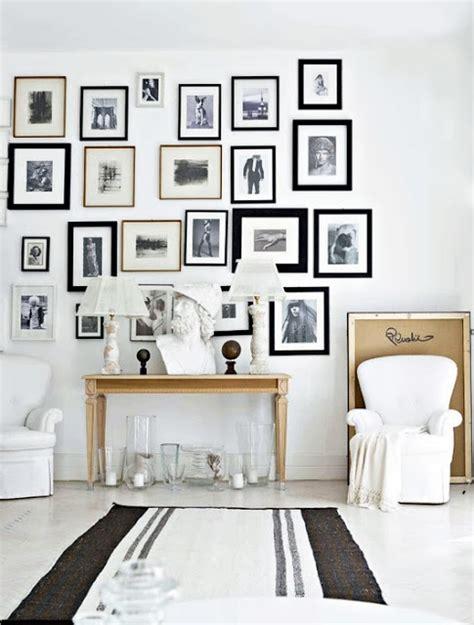 arredare pareti con quadri come quot arredare quot la parete con quadri c spazio soluzioni