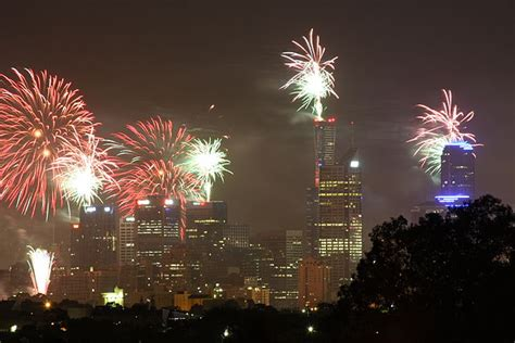 new year traditions wiki file melbourne new year celebrations1 jpg wikimedia commons