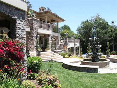 the gallery for gt kris jenner real house exterior