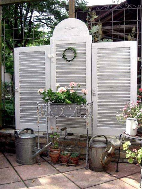 Privacy Wall For Backyard by 22 Simply Beautiful Low Budget Privacy Screens For Your