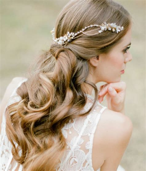 Boho Wedding Hairstyles by 21 Inspiring Boho Bridal Hairstyles Ideas To