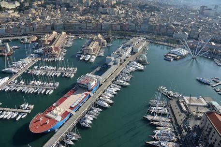 per il porto di genova record container liguria ansa it