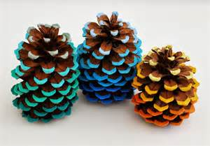 ombre painted pinecones maker crate