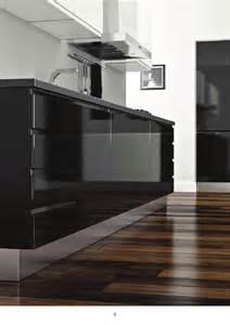 Attraente Marche Cucine Moderne #2: Cucina-moderna-sistema-anta-laccata-nera-con-maniglia-integrata.jpg
