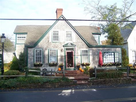 provincetown bed and breakfast snug cottage