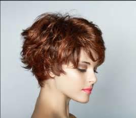 bob frisuren naturwelle fantastische frisuren bob stufig kurz stylen ideen f 252 r elegante frisuren locken haar kurz frauen