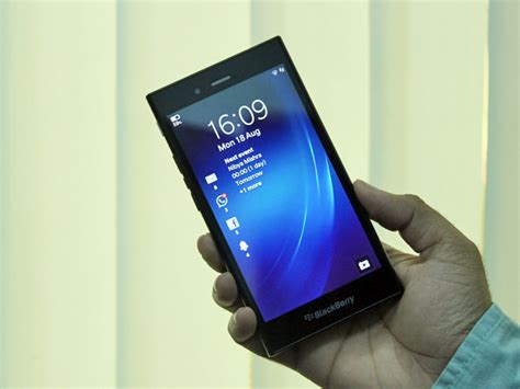 Baterai Pawer Bb Z3 4200mah blackberry z3 review a robust handset for messaging junkies techtree