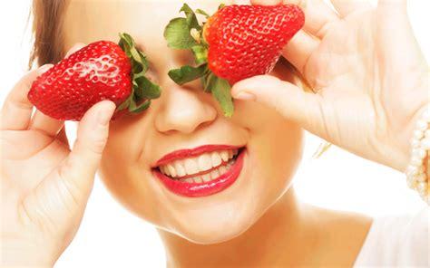 Masker Rambut Strawberry yuk intip manfaat masker strawberry untuk kulit kita