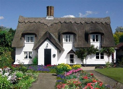 40 Beautiful Thatch Roof Cottage House Designs Thatch Roof House Plans