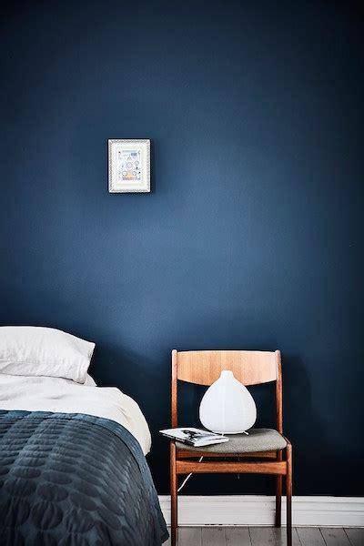 chambre mur bleu mur bleu dans la chambre visite d un appartement