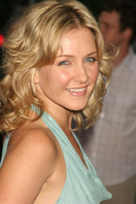 amy carlson haircut is it good for thick wavy hair amy carlson quotes quotesgram