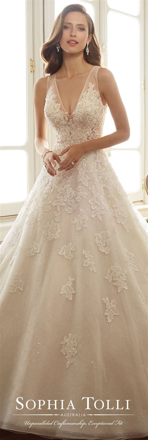 Best 25  Beige wedding dress ideas on Pinterest   Amazing