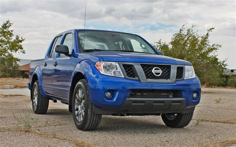 2012 nissan frontier sv crew cab 4x4 in avalanche white 423263 nysportscars com cars for 2012 nissan frontier crew cab sv v6 4x4 first drive truck trend