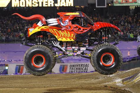 monster truck show kansas city monster jam 174 roars into kansas city for action packed