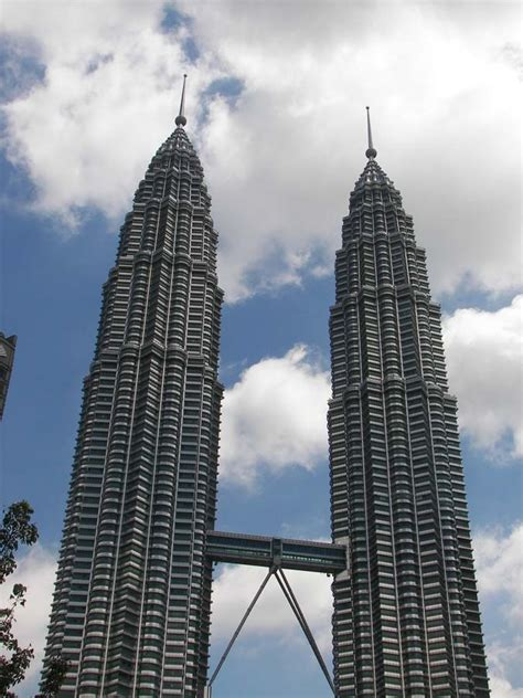towers address petronas towers kuala lumpur map location facts