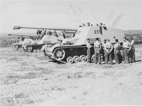 panzerj ger on the battlefield world war two nashorn 231 and 131 near anzio world war photos