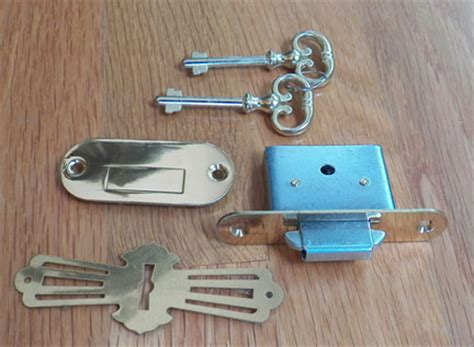 Roll Top Desk Lock Set by Fantastic Replacement Key For Roll Top Desk Locks D1902