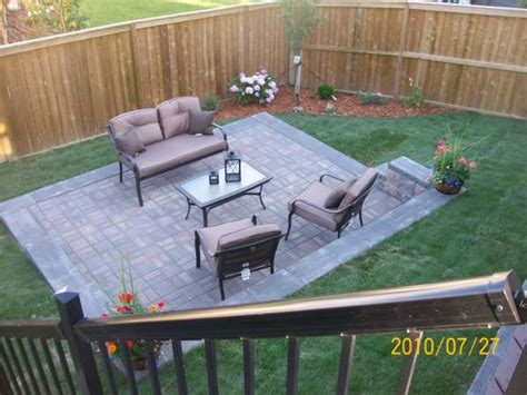 small sloped backyard patio landscaping ideas