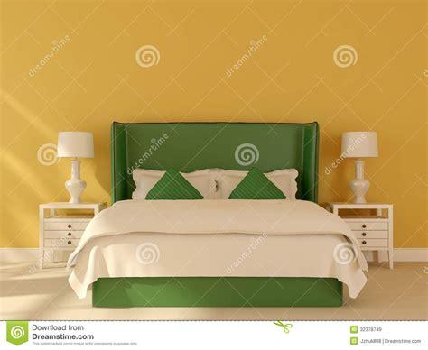 gr 252 nes bett auf einem gelben hintergrund lizenzfreie - Bett Hintergrund
