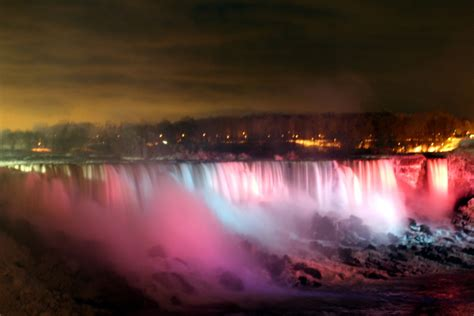 festival of lights in niagara falls ny est 233 e lauder global landmarks illumination niagara falls blog