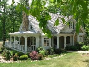 cottage houses 25 best ideas about cottage style houses on pinterest