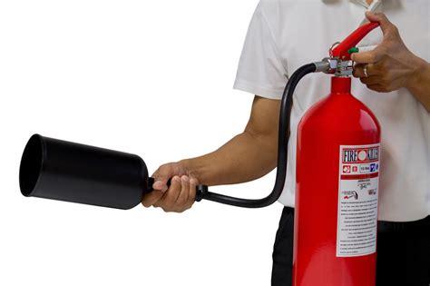 Was Kostet Ein Feuerlöscher by Wartung F 252 R Den Feuerl 246 Scher 187 Diese Kosten Fallen An