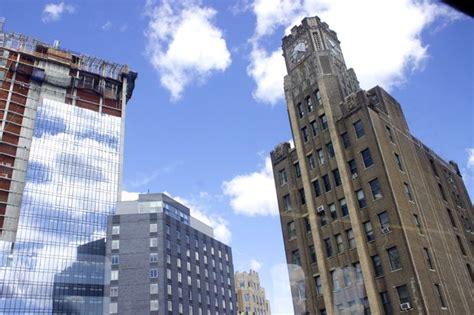 Island Ny Apartments 1000 Durst Organization Plans To Build 1 000 Apartments Next To