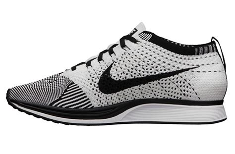New Sepatu Running Nike Flyknit Racer Black White nike flyknit racer black white sneakernews