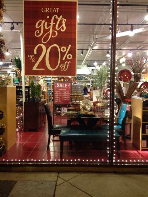 Furniture Stores Chicago Il by Pier 1 Imports Furniture Stores Chicago Il Yelp