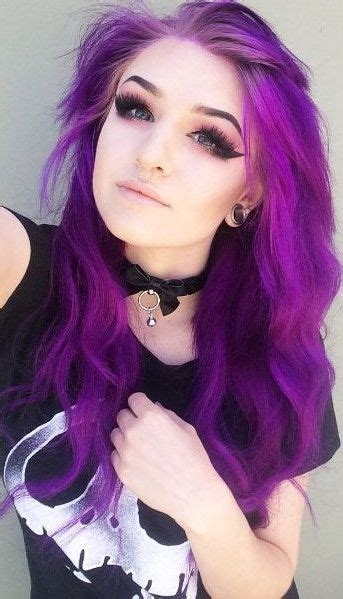 imagenes emo fuertes dang her hair and makeup on point lol colored hair