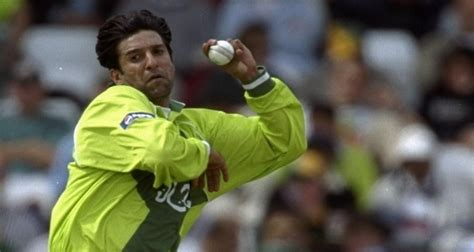 wasim akram swing bowling tips top 10 greatest fast bowlers pakistan has ever produced