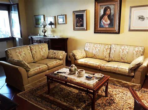 tappezzeria poltrone realizzazione divani e poltrone artigianali tappezzeria