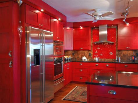 striking kitchens  hot red lacquer kitchen cabinets