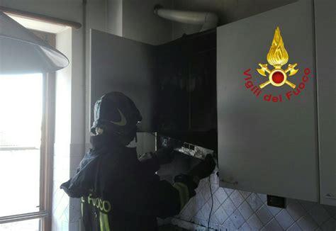 corsi cucina terni terni a fuoco cappa della cucina di un appartamento