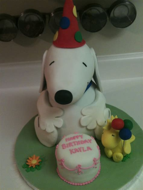 Snoopy Cake Decorations by Snoopy Woodstock Cake It S A Brown