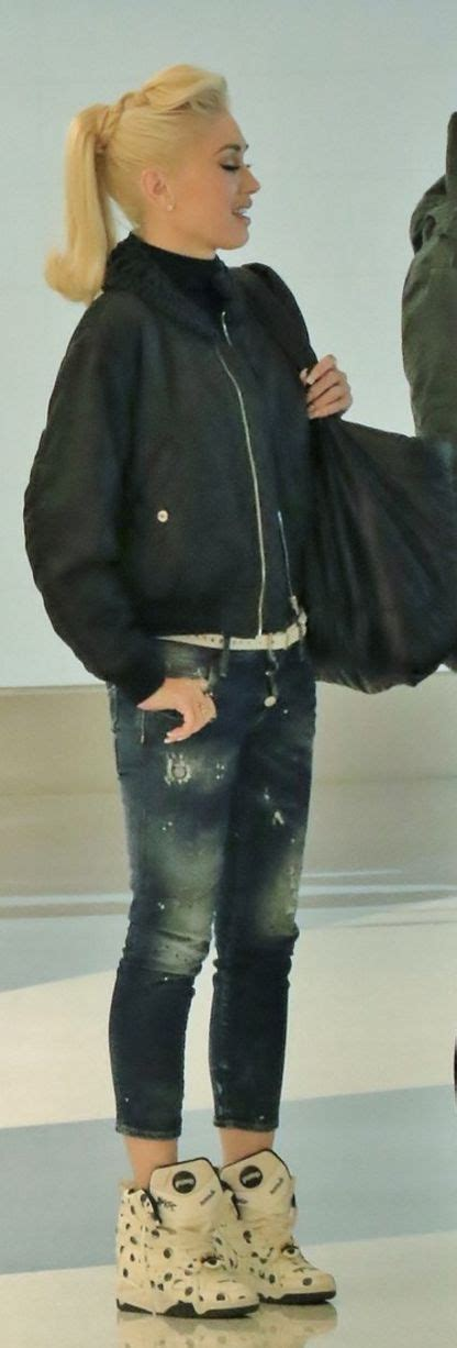 Gwen Stefani With Mandeville Purse by Gwen Stefani Purse Chanel Jacket Noir Kei Ninomiya