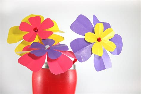 How To Make Handmade Paper Flowers - how to make paper flowers paper flowers