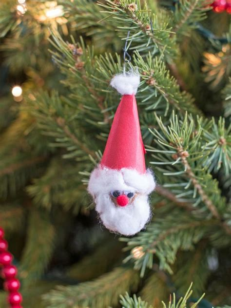 Handcrafted Santas - 60 crafts for hgtv