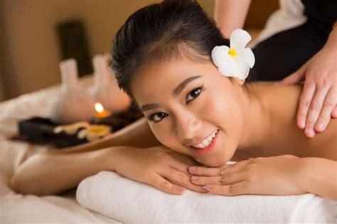 spa pics aromatherapy massage picture of arunothai spa massage